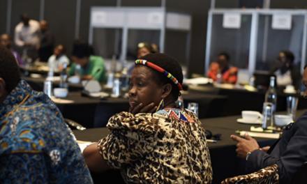 Dans toute l'Afrique, des chefs traditionnels changent la donne dans la lutte contre le mariage des enfants et les MGF