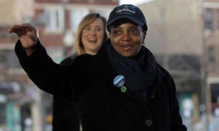 Chicago élit une maire noire et homosexuelle