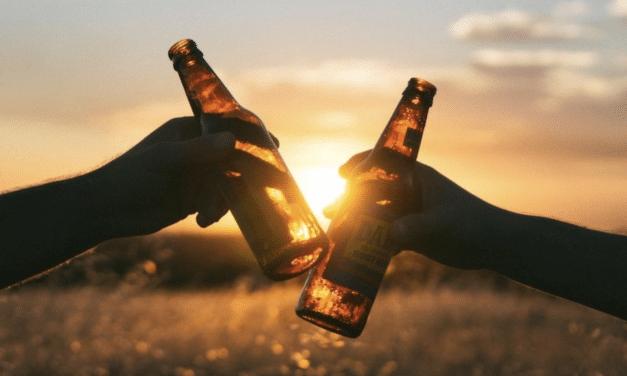 La bière nous semble meilleure si on la pense produite par un homme